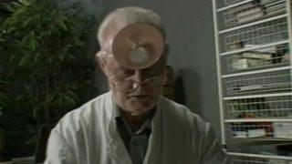 Femme baisée chez le docteur pour calmer ses pulsions