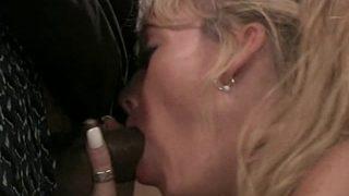 Pipe et sodo sur une femme mature